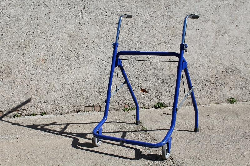 Фото Рынок ходунков для пожилых людей
