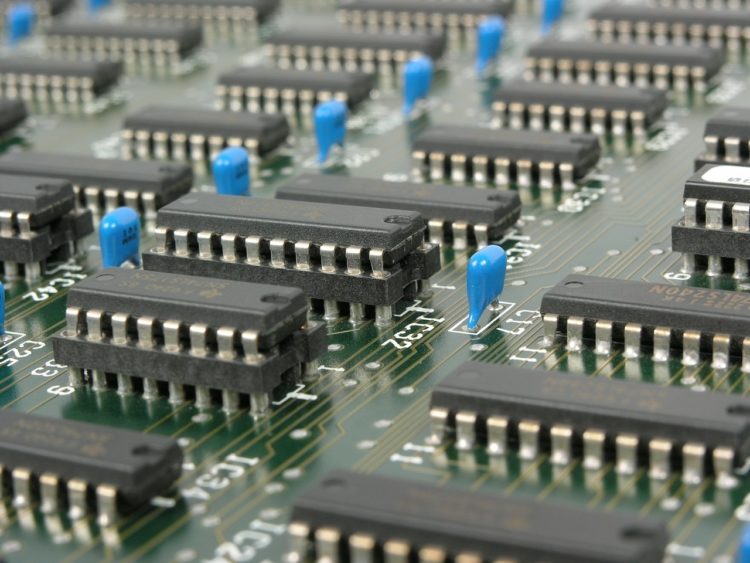 Фото рынок электроники в России